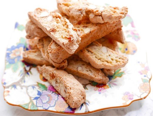 Apricot Biscotti with Hazelnuts or Almonds